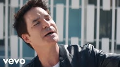 Train ft. Cam, Travie McCoy - Call Me Sir (Official Video)