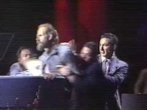 News - Reagan's NAB Glass Award Broken - Apr 1992