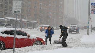 Winter Snow Storm iฑ Toronto Canada