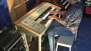 Musik ist Trumpf - Yamaha Stagea ELS-01C Organ- Mladosevits