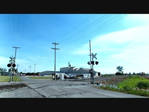 Norfolk Southern Train Weird Railroad Crossing Operation