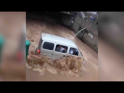 Shocking footage: Storms trigger flash floods in NW China