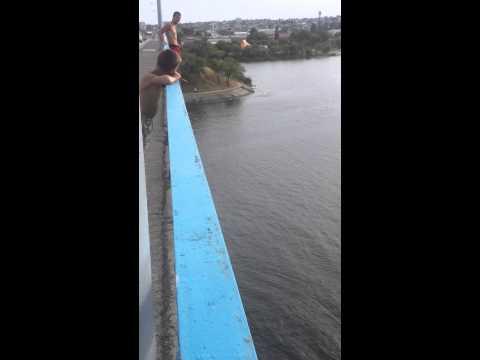 Прыжок с моста Камышин 18 07 2014