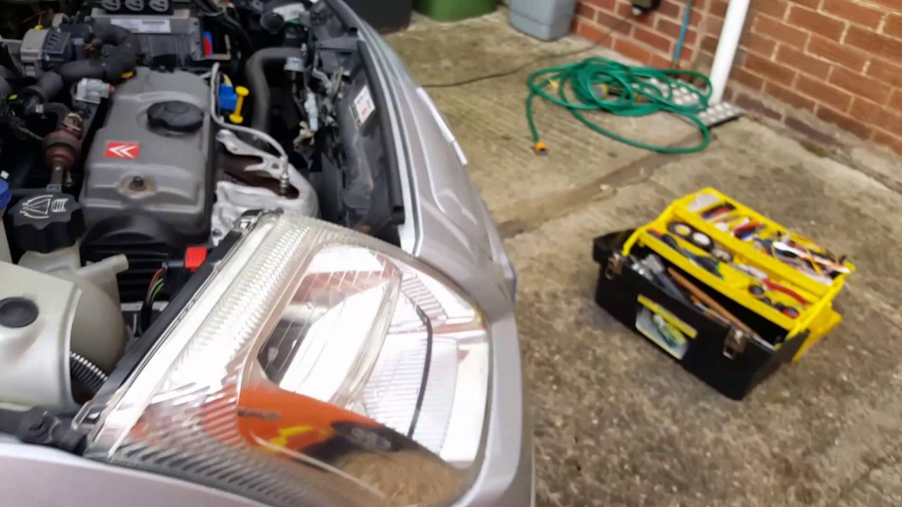 Citron C2 no cooling fan repair with an ECU programmingupdate