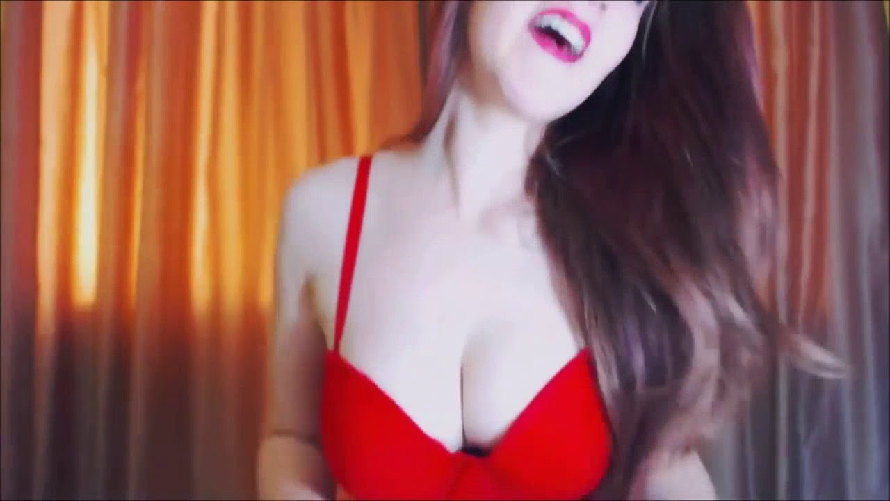 amazing boobs and ass shaking dance    hotest girl and sexy dance ever    #SUBSCRIBE