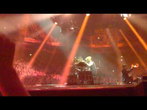 Muse - Time is Running Out @ Hartwall Arena, Helsinki, FIN 14.6.2016