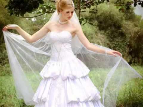 Wedding gown youtube for Trisha yearwood wedding dress
