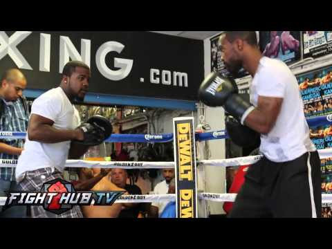 Gary Russell Jr. and the fastest hands in boxing