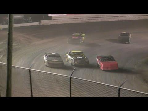 V8 Thunder Stocks - Volusia Speedway Park 6-11-16