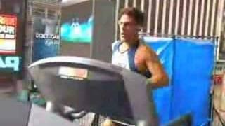 dean karnazes striding easy during the 24 hour endurance run