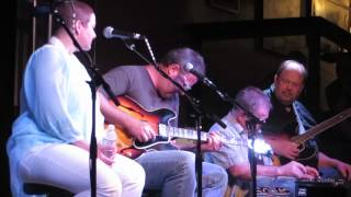Dawn Sears and The Time Jumpers -  Don