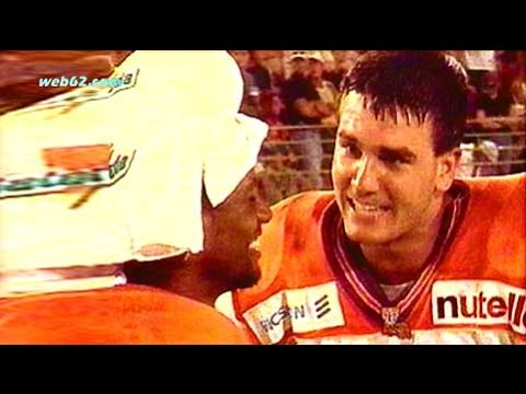 Frankfurt Galaxy at Rhein Fire 1999 game clip @ web62.com