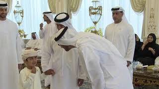 Gambar cover تواضع الشيخ محمد بن زايد