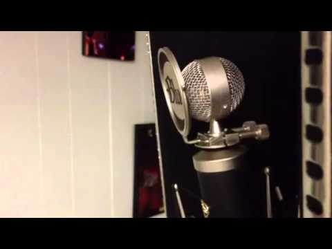 baby bottle blue microphone setup with se reflexion mic filter youtube. Black Bedroom Furniture Sets. Home Design Ideas