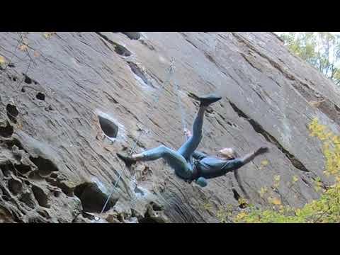 Carabiner Unclips Itself In Bizarre Climbing Fall