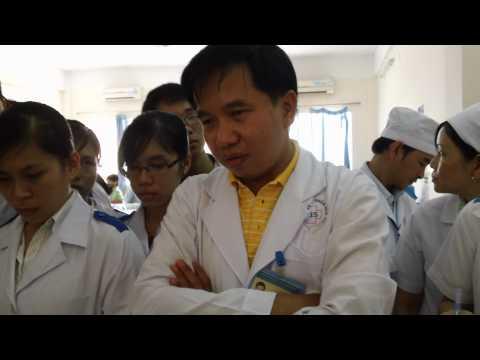 20110426 Khám bệnh nhân đau bụng 1