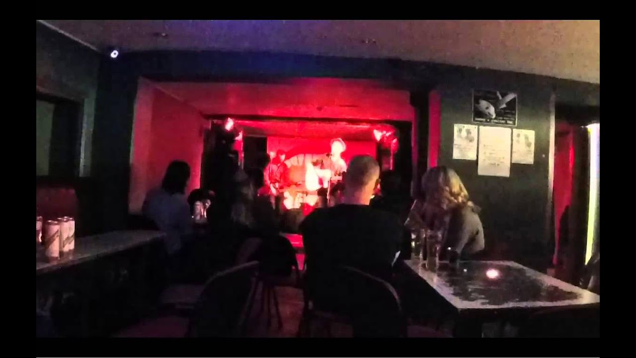 Stanon  Colour Me In  Live At Henry's Cellar Bar  2604
