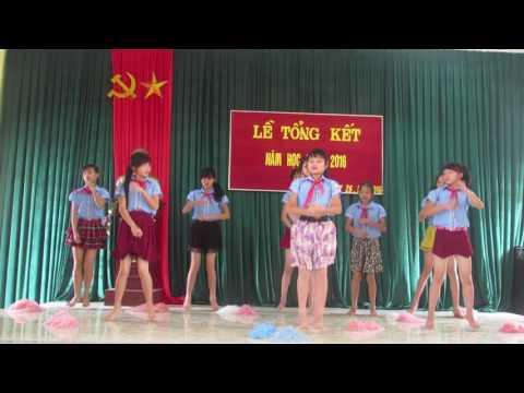 Múa aerobic Trường THCS xã Mường Tè tổng kết năm học 2015-2016