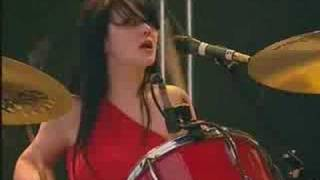 white stripes - hotel yorba (glastonbury 2002)