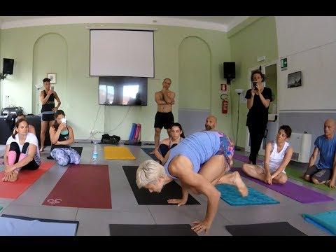 David Robson Workshop 16°: Jelena Vesich jump back/through...