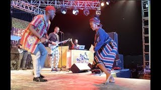 Gambar cover Adekunle Gold sings  And Dance for his Orente At ARIYA REPETE 2018