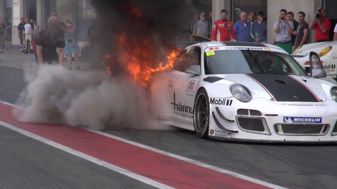 Rennsport Porsche Sports Cup Brand In Der Boxengasse