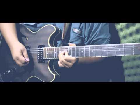 Ibanez Artcore AS53 Semi-Hollow Electric Guitar test jam