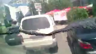 Кишиневские троллейбусы = аквариумы. Видео: Денис Романеску(Видео: Денис Романеску., 2016-06-19T18:48:35.000Z)