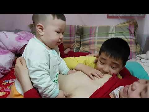 Woman Breastfeeding monkeyиз YouTube · Длительность: 29 с