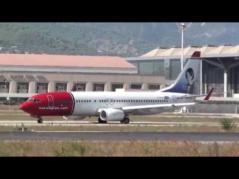 Norwegian Boeing 737-800 EI-FVR Taxing Malaga LEMG
