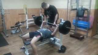 жим 110 кг на 25 раз