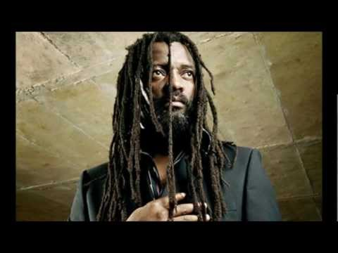 Lucky Dube - The Other side [Lyrics] (en/fr)