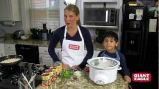 Slow Cooker Turkey Chili Recipe - Cooking with Kids | Giant Eagle