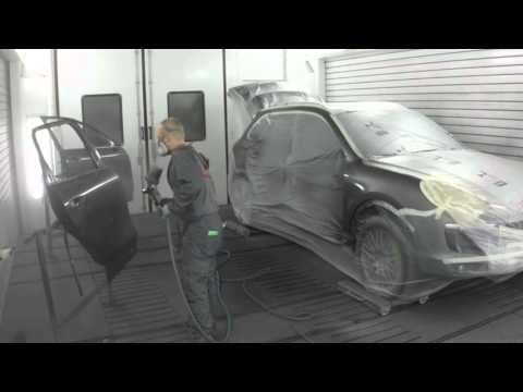 Painting a Porsche Cayenne S e-Hybrid with spies hecker paint