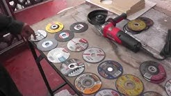 Discos delgados de corte de metal.