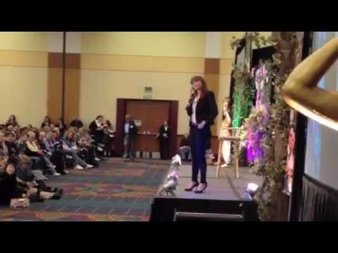 Spartacus Vengeance Ellen Hollman Pranks Lucy Lawless As Saxa