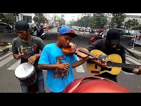 Pengamen Bagus Di Cihampelas Bandung, Ost Full House Sha La La