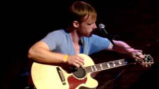 Watch Kevin Devine This Box Is Empty video