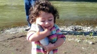 Funny Baby Reaction When Meeting Fish For The First Time|| Funny Baby and Pet