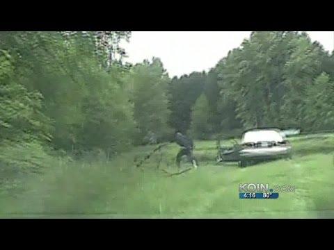 Dashcam: Cowlitz County chase of 2 men