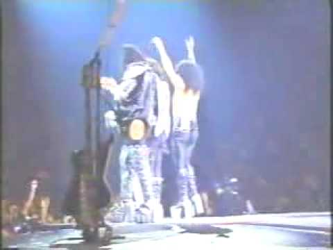 Kiss Backstage During Beth June 2000