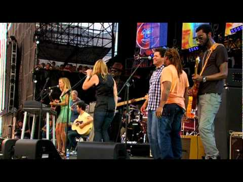 Long Road Home -- Sheryl Crow w/Derek Trucks, Susan Tedeschi, Doyle Bramhall II & Gary Clark Jr.