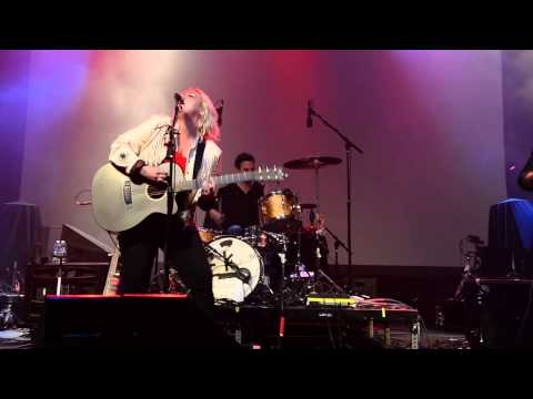 Elle King performs live at Perez Hilton's One Night in Austin SXSW 2015