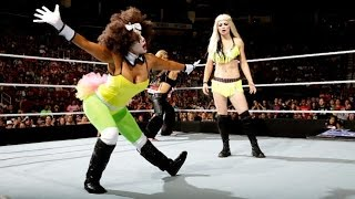 WWE SmackDown 10.31.14 Divas Halloween Costume Battle Royal (720p)