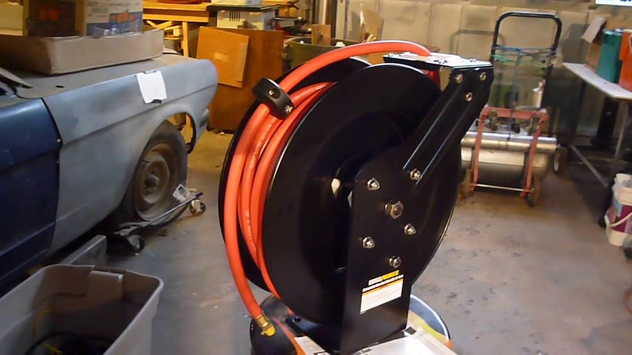 HARBOR FREIGHT AIR HOSE REEL FIRST LOOK - YouTube
