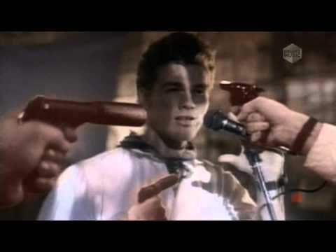 A-HA - THE LIVING DAYLIGHT (Bond Theme 1987 Official Video HD)