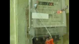 Остановка электронного счетчика электроэнергии(К чему только не приведет наш народ нехватка денег. Современные кулибины создали аппарат, при помощи которо..., 2013-02-22T19:33:03.000Z)