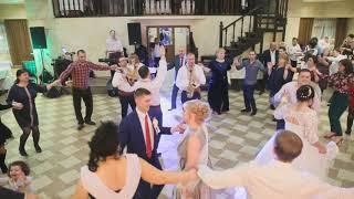 Молдавская свадьба в Москве-(Живая музыка,ведущий,Фото и Видео съемка)!!!