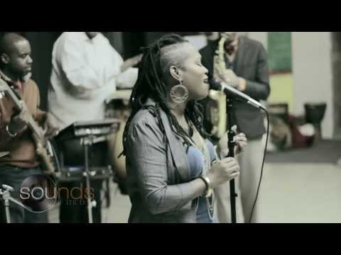Collective Peace ft Ideeyah - Let The Music Play