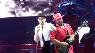 justin-timberlake-8-10-13-cry-me-a-river-live